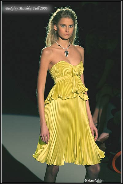 Metrofashion fashion photography new york fashion week catwalk badgley mischka evening dresses fashion bryant park